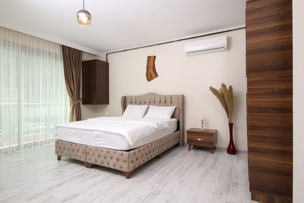 Keep bedroom clean and free of clutter to prevent bed bugs